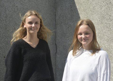 Dugnadsarbeid: Frida Skaar (15) og Lise Kristine Kolberg (16) i 10c på Askim ungdomsskole er storfornøyde med klasseturen og glade for at klassen klarte å få til en så fin avslutning på ungdomsskolen.