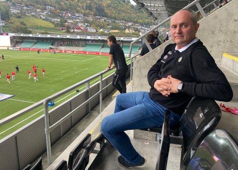 RAUDT: Sogndal Fotball gjekk med eit underskot på 2,5 millionar kroner i 2020. – Me reknar med at 2020 var ekstraordinært, men det er klart at me ikkje kan driva slikt kvart år, seier styreleiar Jan Rune Årøy.