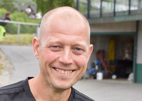 OPTIMIST: Staal-trenar Vegard Oftedal har på ingen måte gitt opp på førehand, sjølv om det er eit par divisjonar som skil laget hans og regjerande cupmeister Viking.