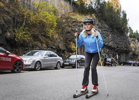 Tøff: Camilla Aasen fra Porsgrunn trosser dårlige erfaringer med ski, og har meldt seg på Helterennet. Sammen med Sportsjentene skal hun trene mot det 42 km lange skirennet i mars neste år. TA vil følge Camilla på veien mot målet. FOTO: Marie Edholm Andresen