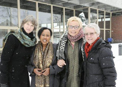 KLARE: Berit Taraldsen, Anne-May Lund, Saynab Guleed og Marit Nagel Rønningen sørger for markering av kvinnedagen.