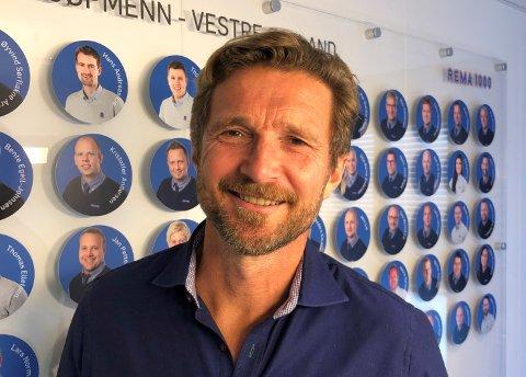 ÅPNER NY BUTIKK: Regiondirektør Ove Borgen åpner ny Rema 1000-butikk på Herkules.