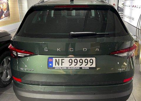 NY SERIE: Er du en skiltnerd som drømmer om ha et spesielt nummer? Dette er siste nye bil med NF-skilter.foto: Geir Borgar Nilsen/Grenland bilservice