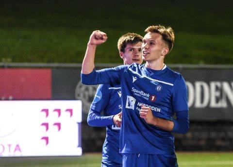 DEBUT: Halvor Lien Haug fikk sin debut i serien, og svarte med målgivende pasning til 7-2-målet
