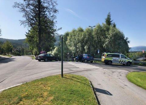 KRASJ: Ingen personer kom til skade da to biler ble involvert i trafikkulykken i Surnadal madag ettermiddag.