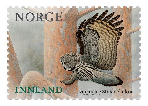 En lappugle (Strix nebulosa) pryder dette frimerket som gis ut av Posten Norge 2. januar 2018. Som ellers i serien Norske fugler er de nye frimerkene illustrert av Viggo Ree.