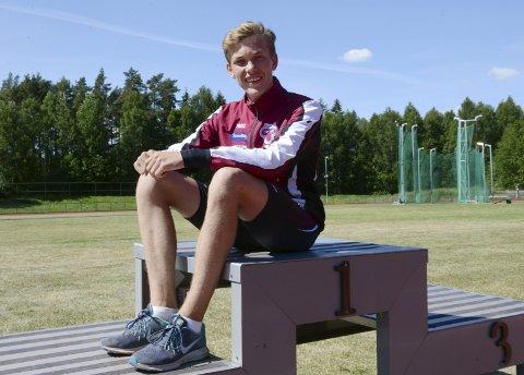 NOMINERT: Henrik Flåtnes (16) fra Stokke representerer Tønsberg Friidrettsklubb.