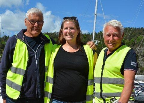 VIKTIGE MEDARBEIDERE: Havnesjef Berit Kaspara Signete Fredheim får god hjelp av Jan Halvorsen og Sevald Dalen.