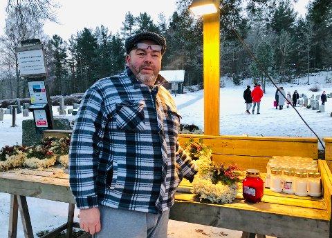Per Gunnar «PG» Svensson møter både sorg og glede ved kirkegården.