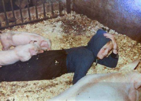 JORDMOR: Siv Kathrin Ramskjell var som 10-11 åring alene på Magelie gård da purka plutselig satte i gang fødselen.