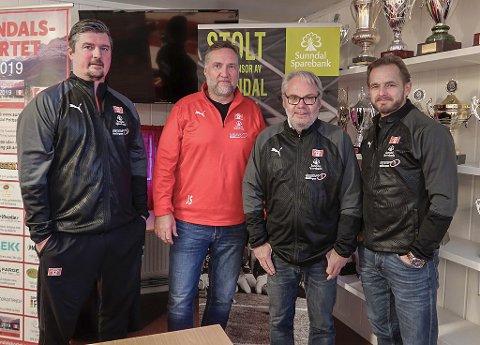 Forbereder fotballskole: Fra v. Rune Volden, Jørund Svensli, Jarl Torske og Tom Meek.
