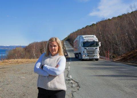Gir ikke opp: Ordfører Aase Refsnes fortsetter kampen for å få oppgradert fylkesveiene i Steigen selv om 100 millioner som skulle brukes i kommunen er omdisponert til andre formål.