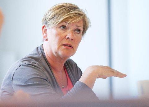 Leder for Høyres bystyregruppe, Hilde Onarheim, synes det er spesielt at havnedirektøren har blitt tilbudt ny jobb i kommunen til tross for at han var under politietterforskning. Nå krever hun en redegjørelse fra finansbyråden.