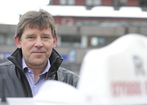 Administrerende direktør i Bergen Taxi, Jan Valeur, har fulgt piratvirksomheten over lang tid. Det han ser gjør ham bekymret.