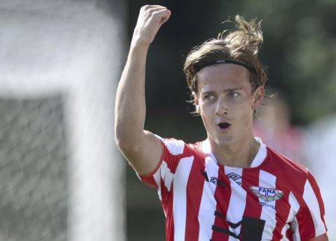 BØTTER, MEN IKKE SPANN: Når Henrik Udahl scorer blir det fort flere mål.  FOTO: Odd Løvset/Hordalandsfotball.no