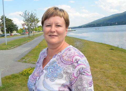 BEDT OM ORIENTERING: Nina Mjøberg er leder for kontrollutvalget i Modum. Hun har forfall fra møtet fredag 22. oktober, men beskriver ressursmangelen i skolen som skremmende og vanskelig.