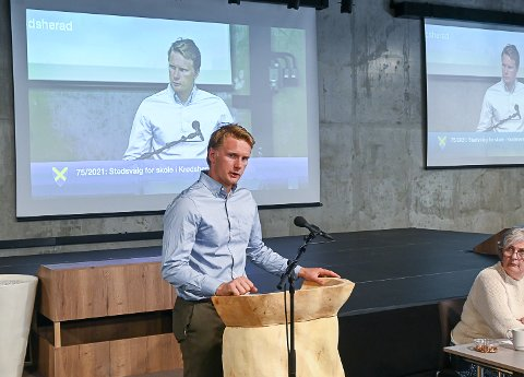 HAR IKKE RÅD: Knut Skinnes (Nye Bygdelista) er en av de som mener Krødsherad ikke har råd til å bygge nye skole. Han vil ha rehabilitering av dagens skolebygg.