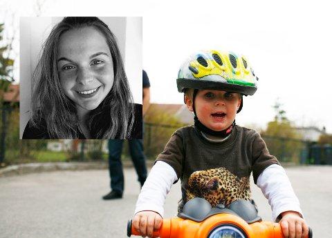 PÅ MED HJELM, NED MED MOBILEN: Mamma Ronja Vinneng fra Drammen kommer her med et hjertesukk til foreldre som ikke følger med.