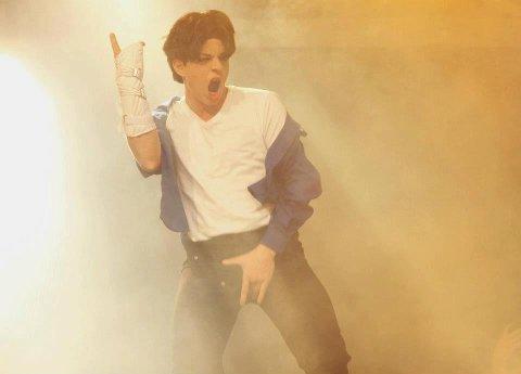 IRRITERT: Michael Jackson-imitator Kent Olaf Steinhaug reagerer sterkt på at NRK har fjernet Jackson fra radiolistene sine.