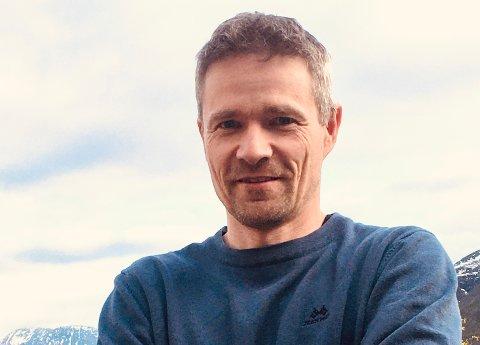 NEKTER: Håvard Jacobsen vil ikke sende barna sine på skolen fredag –selv om kommunen mener det er trygt.