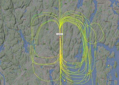 En leser mener øvelsesflyvning i slike sirkler må være forklaringen, og viser til en nettartikkel om aktivitet over Torp tirsdag. (Foto: Tønsbergs Blad)
