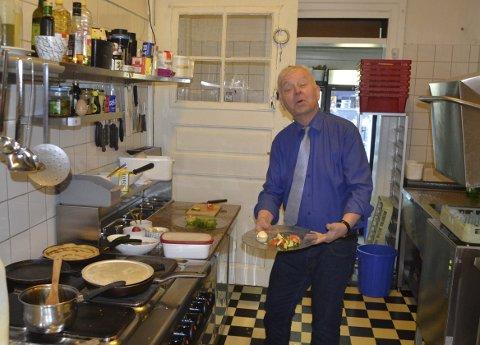 DRIVKRAFT: At kundene er fornøyde og synes at maten smaker godt, er en viktig motivasjon for Sverre Stang .