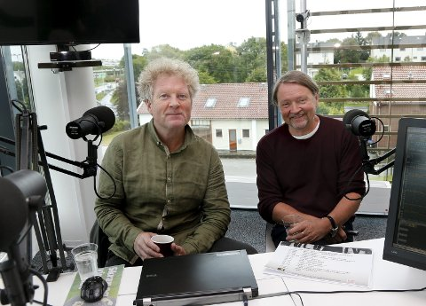 GRUNN TIL Å SMILE: Bare tre døgn etter at Bjørn Dybdahl (t.v.) og Øyvind Staveland var på Mediehuset Haugesunds Avis for å presentere nyheten om Vamp-konserten var billettene revet bort. FOTO: ALFRED AASE