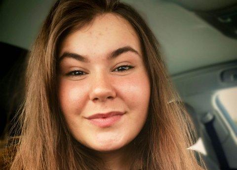 IMOT: Småbarnsmor Nina Iselin Olsen er imot at hennes barn skal ha samisk som obligatorisk fag i Tana-skolen.