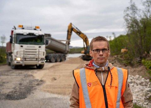 Leder for kommunalteknikk og beredskap i Porsanger kommune, Tom Jøran Olsen, sier veien vil være klar i løpet av helgen.
