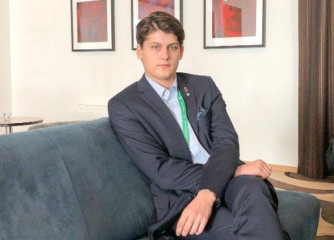 IKKE I MÅL: Lokallagsleder Odin Dybdahl Aarlid forteller at Senterpartiet har hatt konstruktive samtaler med Høyre fredag.