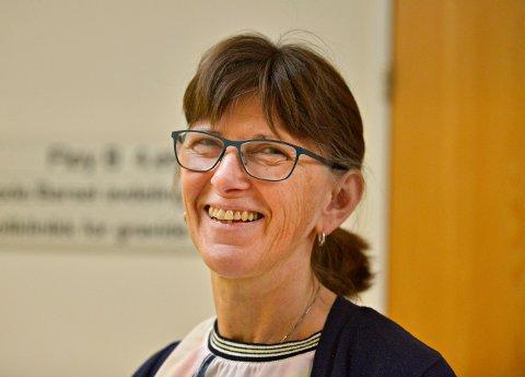SOMMERÅPENT: Inger Johnsen Brøndbo er avdelingsjordmor ved Kongsberg sykehus, og hun sier de på ingen måte har sommerstengt.