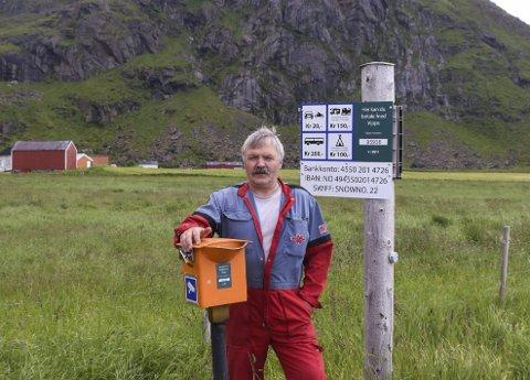 Inntekt: Ivar Andersen i Uttakleiv grendelag sier at turistene er flinke til å betale for seg alle