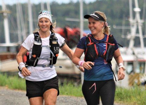 Wenche Johnsen (til høyre) imponerte da hun løp over 160 kilometer og en distanse som tilsvarer over fire helmaraton på 22 timer.