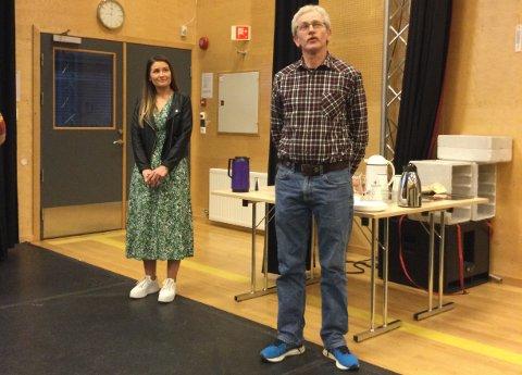SPENNENDE: Styreleder Jens Tore Vatne synes selskapskontruksjonen er spennede. Til venstre for ham Vibeke Ro Stakkeland, som representerer Joker Tingvatn.