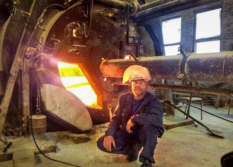 Thorstein Jarl slukket kalkovnen på Peterson for godt 12. april 2012. Det var ovnen som laget mosselukta.