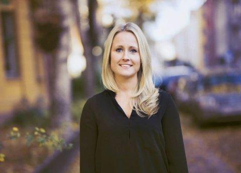 BOFAST: Pia Edvardsen stortrives på hjemstedet sitt.  Foto: Pernille Blåfjell Walvik