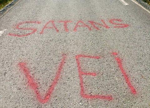 STERKE ORD: Veien ble døpt til selveste «satans vei» av en frustert bilist. Nå skal veien få seg et skikkelig løft, sier vegvesenet.