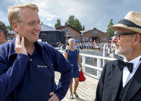 BLIKK: - Det blikket vi har på søppel og forurensing i dag startet med Mjøsaksjonen i 1972, mener Mjøsmuseets direktør Arne Julsrud Berg (t.v.).