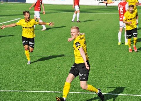 JAAA!: Jakob Nyland Ørsahl kunne juble for sin første scoring for Raufoss i sin første kamp fra start da Raufoss utklasset Bryne med 4-1.