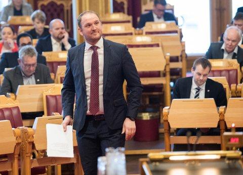 Samferdselsminister Jon Georg Dale (FrP) i Stortingets spørretime onsdag. Foto: Terje Bendiksby / NTB scanpix