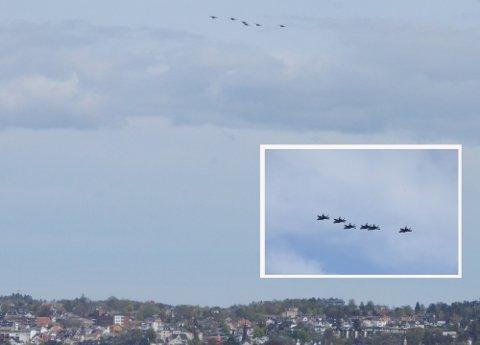 FLØY LAVT: Klokken 11.45 kunne man observere oppe i lufta over Larvik.