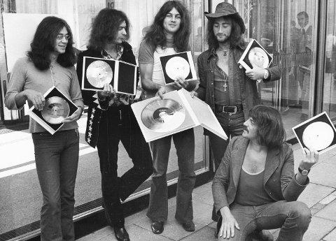 STORE NAVN: Spilte det britiske rockebandet Deep Purple i Folkeparken Ådalsbruk på 1960-tallet, eller var det bare et rykte? Her fra en gullplateoverrekkelse i 1971 i Berlin. (Foto: NTB scanpix)