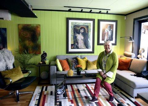 FARGEKLATT: Kerstin Birkheim i Elverum har virkelig satt farge på tilværelsen.