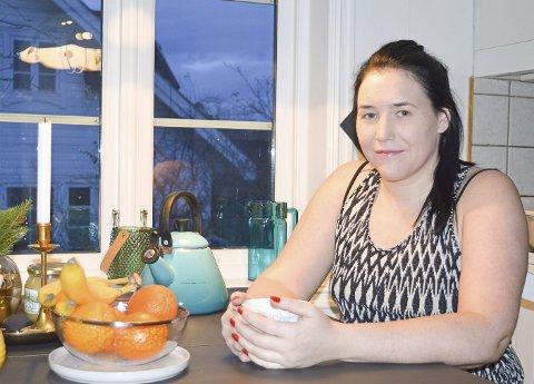 HVER MÅNED: Sara Renee Tung på Tjøme har endometriose. Fem dager hver måned har hun vondt.