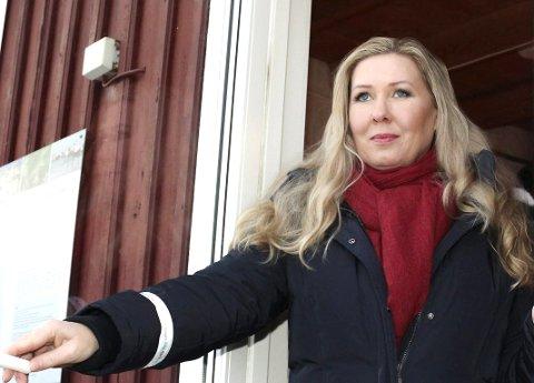 Badebrygga, som alle kan bruke, ble langt dyrere enn antatt for velforeningen. Velleder Rita Bekken håpet på støtte fra kommunen, men nådde ikke frem i første omgang i hvert fall.