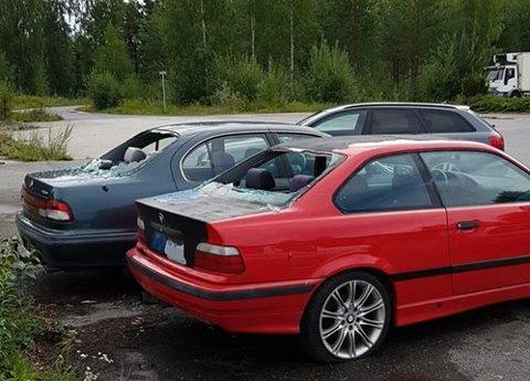 RENT HÆRVERK: Ruter er knust og det er sparket inn bulker, men ingenting er stjålet fra bilene på Helgelandsmoen.