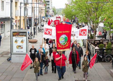 HAVNER PÅ FREDAG: I 2020 vil 1. mai havne på en fredag. Her fra årets parade i Lillestrøm.