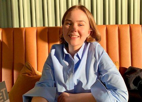 REALISERER DRØMMEN: Sandefjord-jenta Emma Ågedatter Lundestad (18) har sikret seg skoleplass i Boston i USA. Hun er spent på hvordan første semester i USA blir – og om det blir utsatt på grunn av koronapandemien eller ikke.
