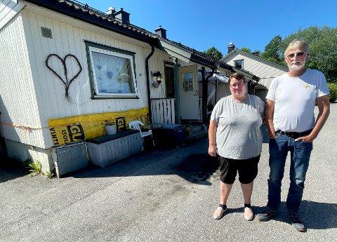 RETTSSAK: Samboerparet Gitte Gundersen og Terje Johansen går nå rettens vei for å få borettslaget til å innse problemet i leiligheten deres.