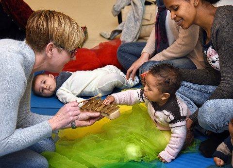 Universelt: Lyden av instrumenter vekker interessen hos barna.